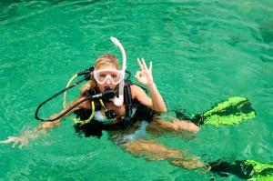 scuba-diving-woman